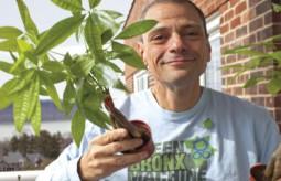 Chcieć to móc - nauczyciel z ubogiej dzielnicy Bronxu wraz z uczniami zmienia otoczenie przez uprawę roślin