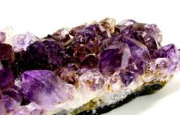 Jakie kamienie szlachetne mogą pomóc w uzdrawianiu.