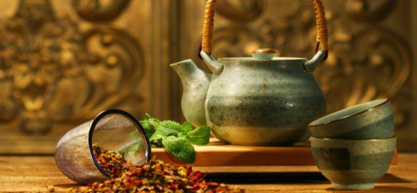 Ziołowa herbatka na bezsenność