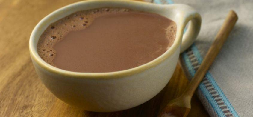 Prosty napój rozgrzewający na grypę, przeziębienie i wychłodzenie