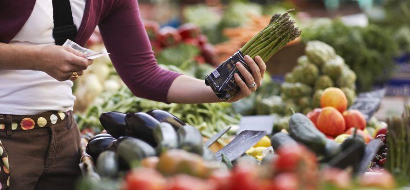 Kupujesz warzywa i owoce? Sprawdź, które są najlepsze!