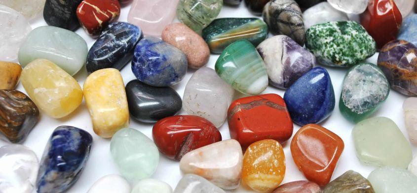 Kamienie naturalne chroniące i rozszerzające aurę