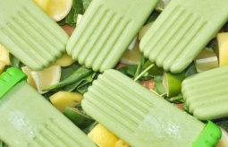 Zielone lody na patyku – zrobisz je w 15 minut!