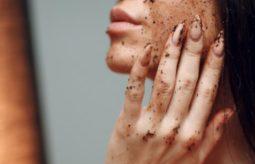 3 sposoby na domowy peeling do twarzy