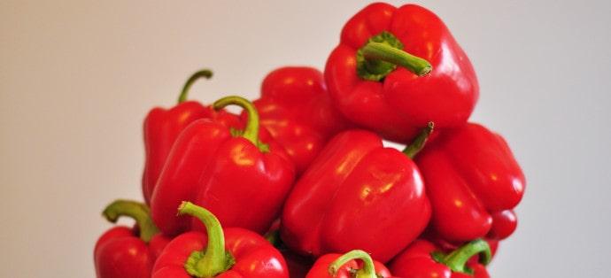 Papryka czerwona i jej właściwości. Ile ma kalorii i jakie wartości odżywcze